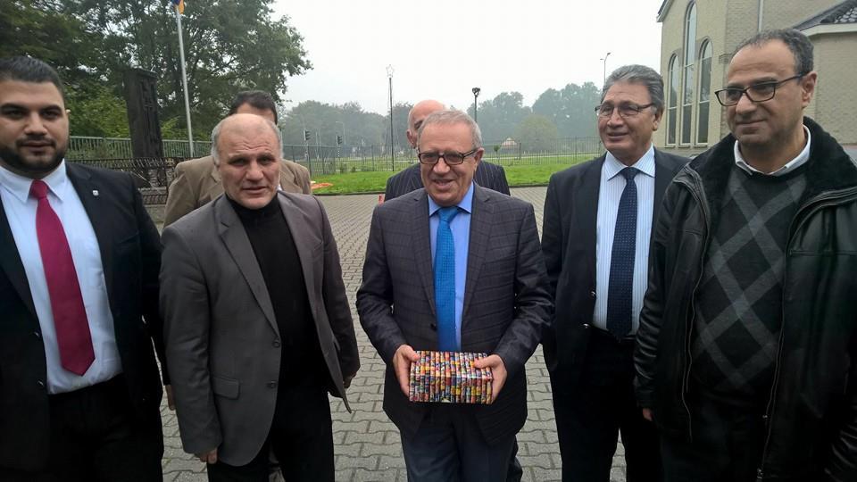 Hollanda'da Ermeni kilisesinin ayinine katilan HDP'li vekil bakin kimle beraberi7
